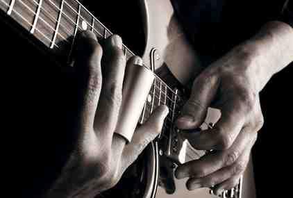 Comment est fait une guitare classique ?