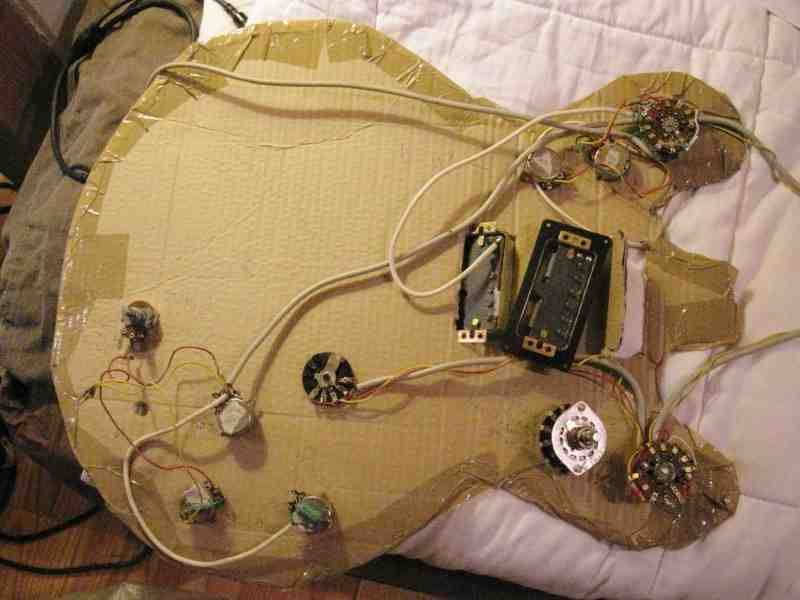 Comment mesurer le niveau de sortie d'un micro guitare ?