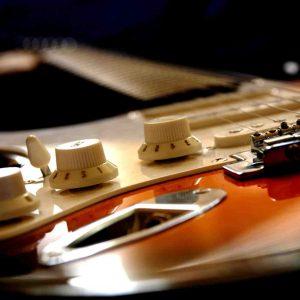 Comment se servir d'une guitare electrique ?